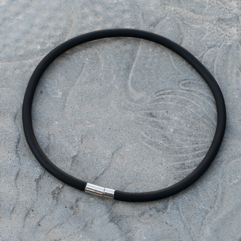 Black Micro – Cable Single Loop Necklace